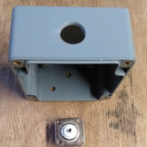 endFed Behuizing IP65 82x80x55 gaten connector02